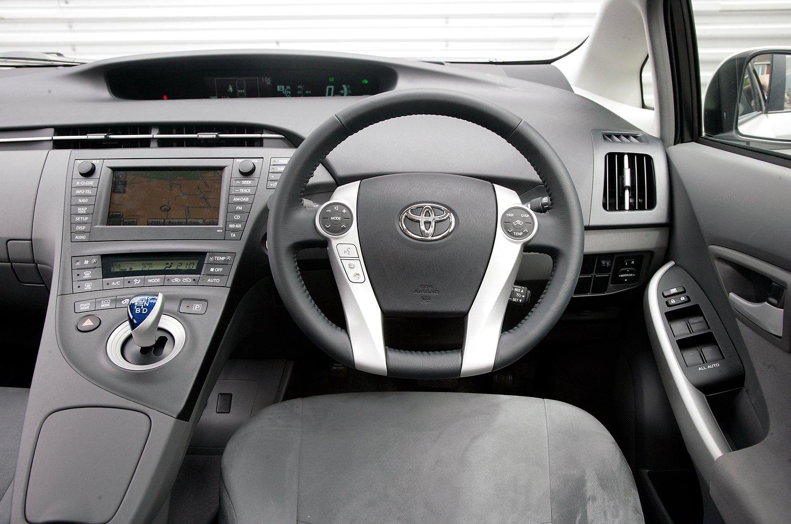 7: Toyota Prius - interior