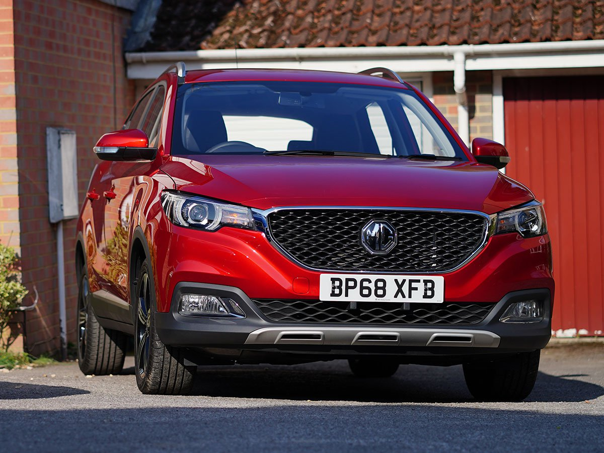 The MG ZS blends eye-catching design and city-friendly dimensions with a spacious, stylish and practical interior that is packed with lots tech