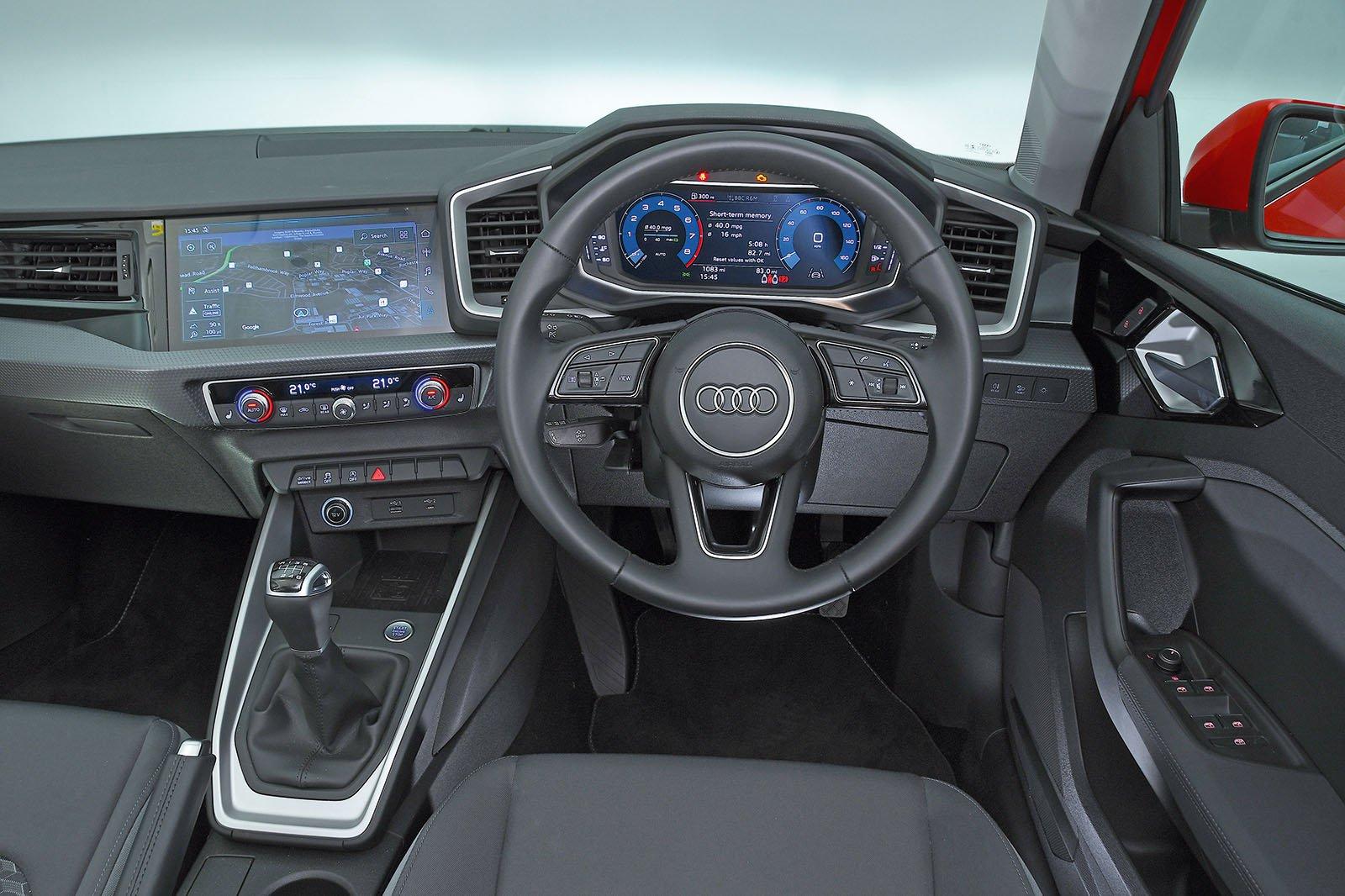 Audi A1 30 TFSI SE - interior