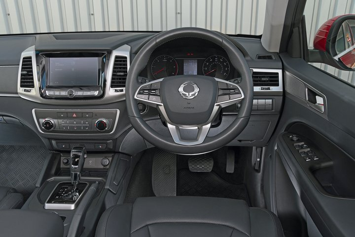 Ssangyong Musso - interior