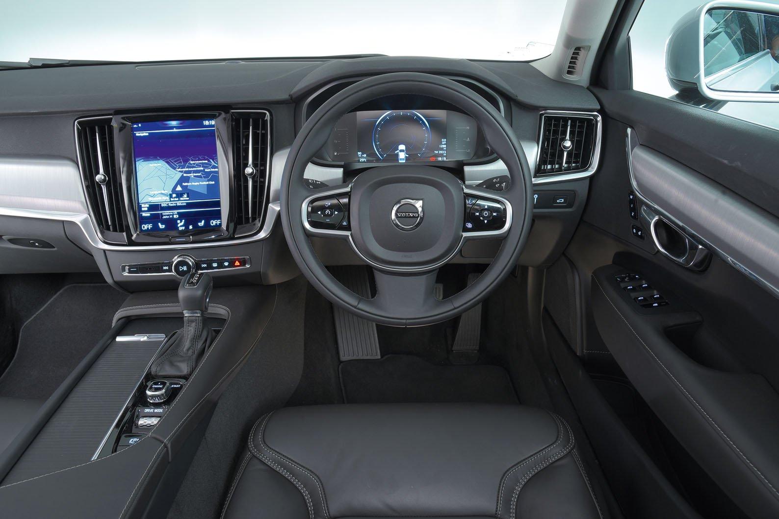 Volvo S90 - interior
