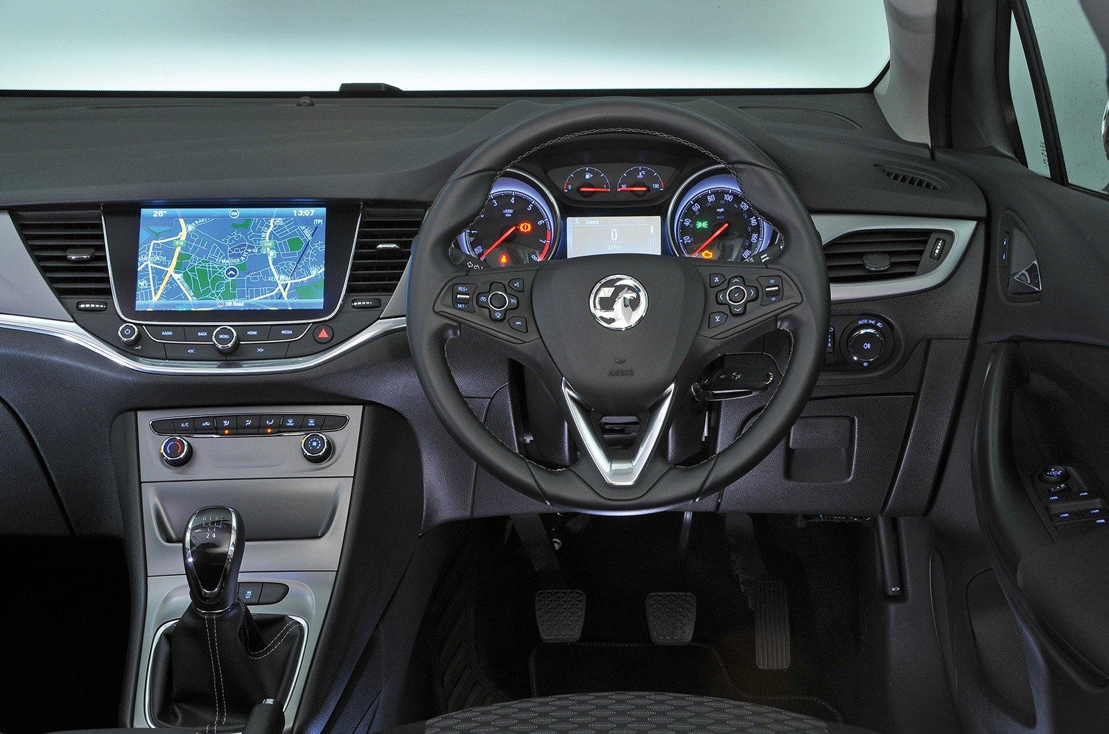 Vauxhall Astra 1.0T Ecotec SRi - interior
