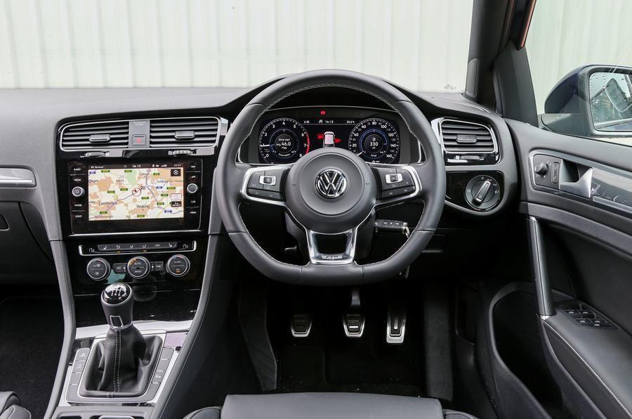 Volkswagen Golf 1.6 TDI Match 5dr - interior