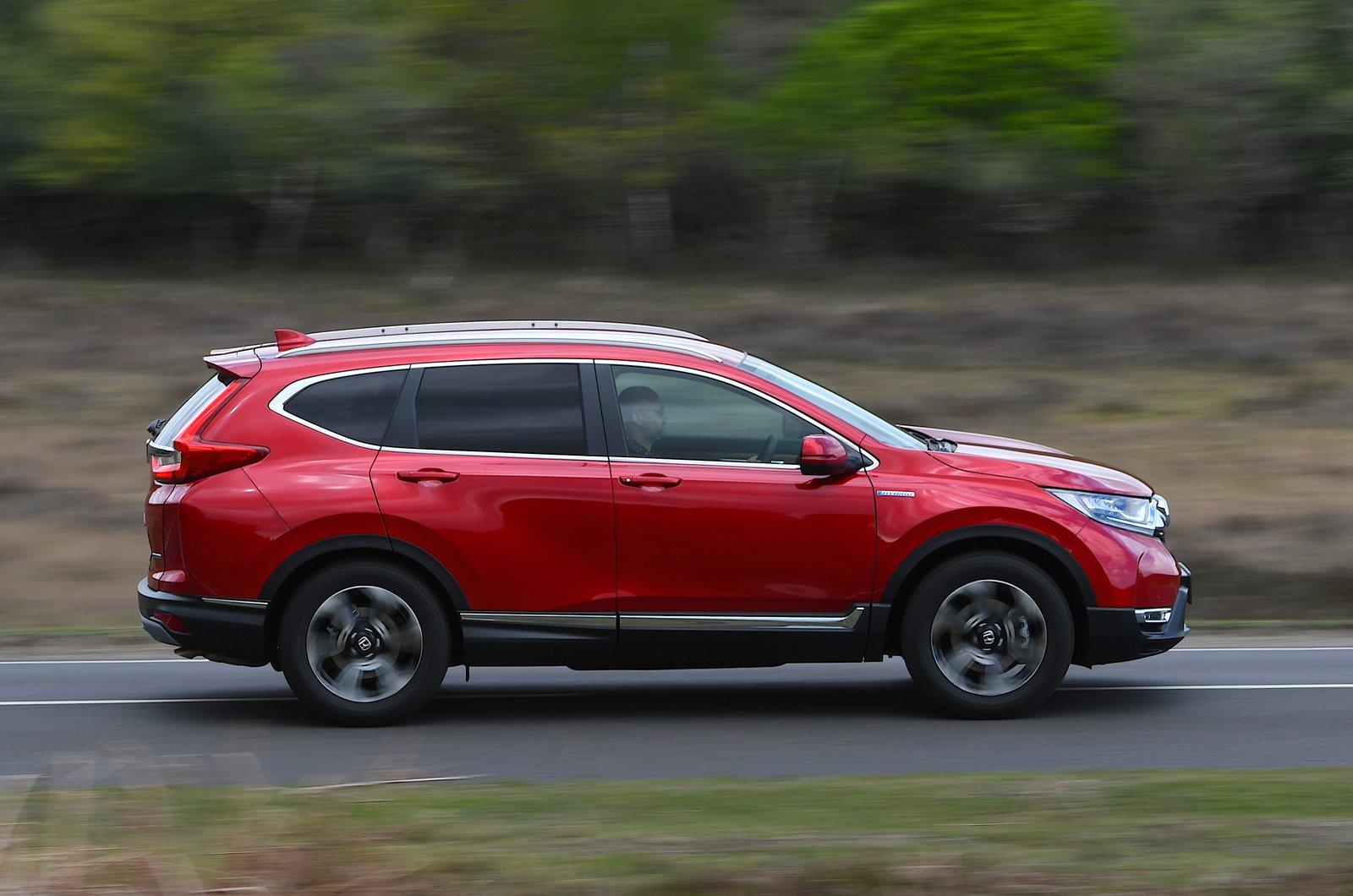 LT Honda CR-V Hybrid side