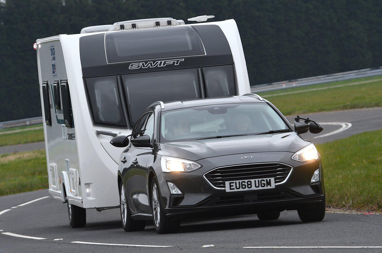 Ford Focus Estate towing caravan