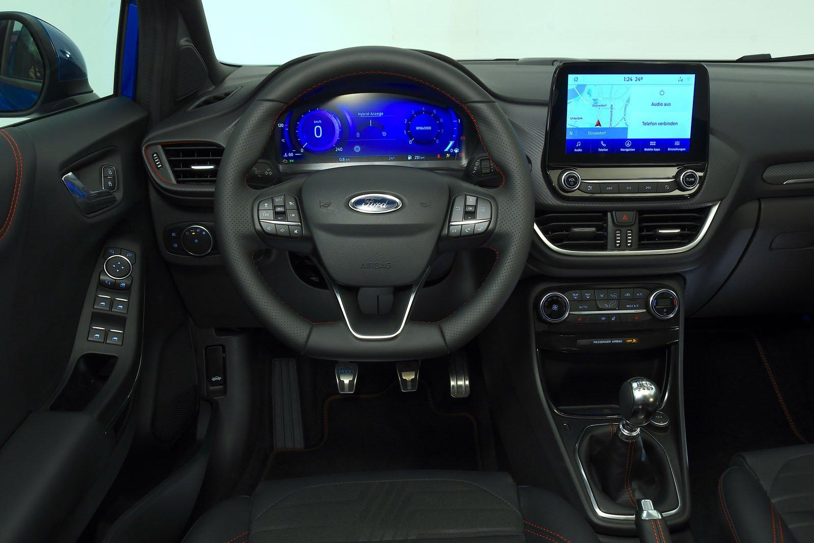 2019 Ford Puma interior