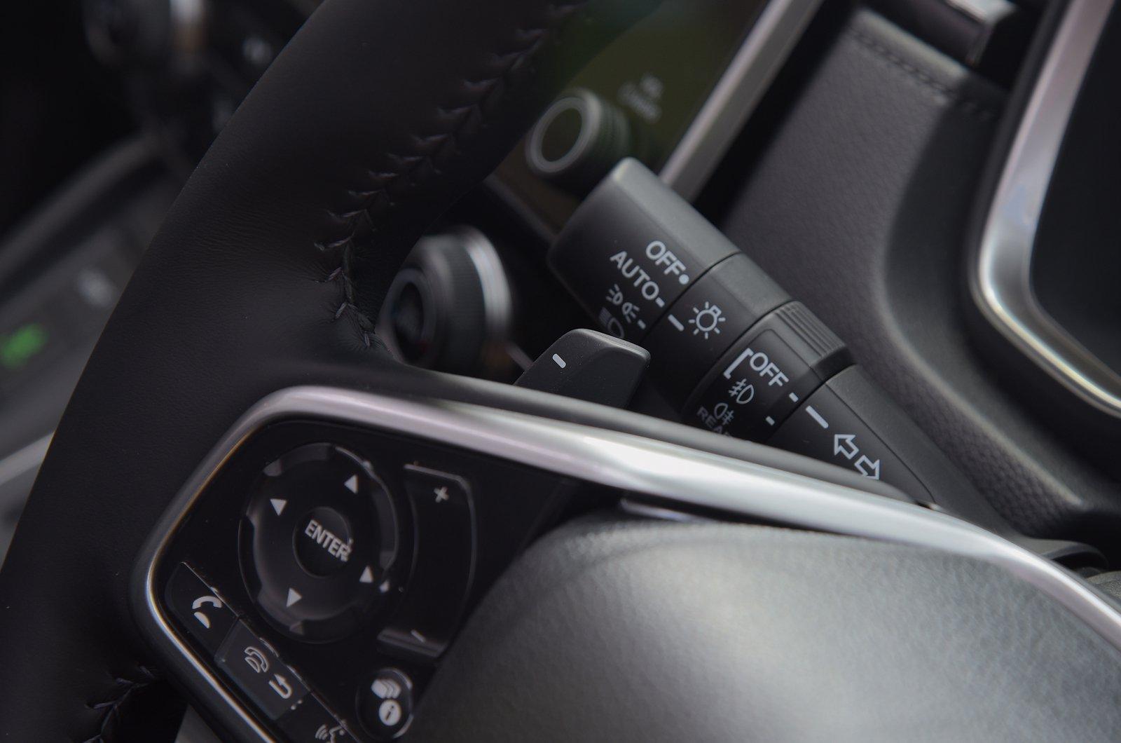 LT Honda CR-V hybrid gearshift paddle