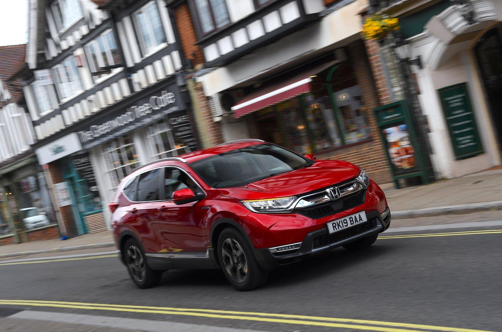 LT Honda CR-V hybrid in town