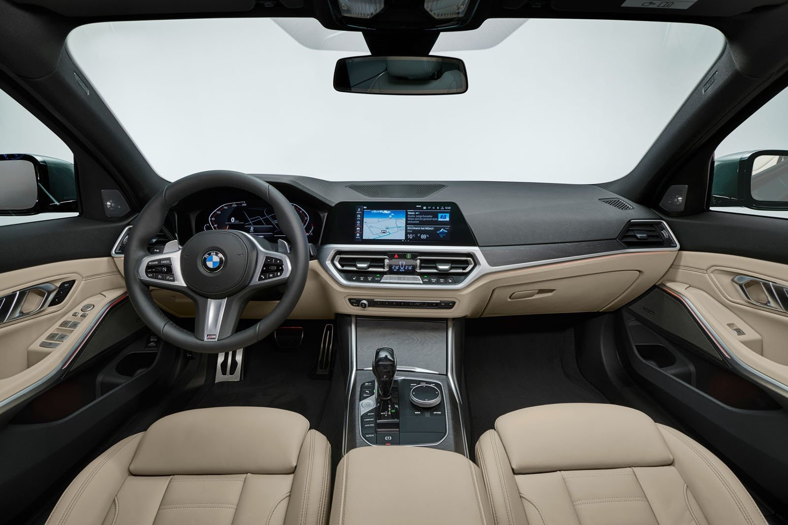 2019 BMW 3 Series Touring interior