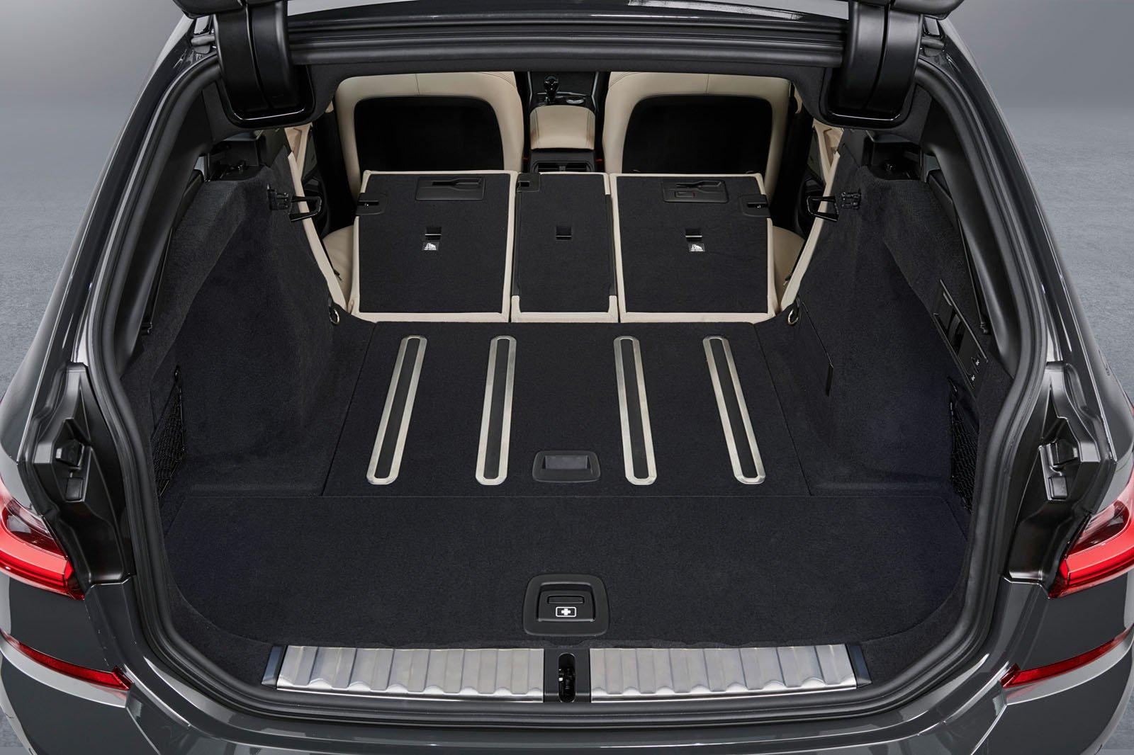 2019 BMW 3 Series Touring boot