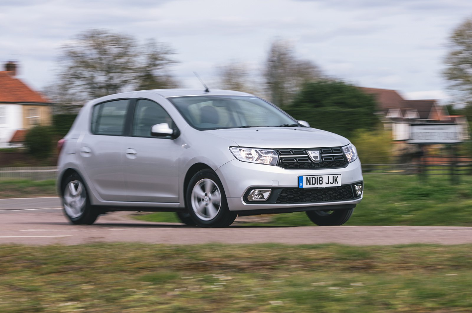 Dacia Sandero front three quarters