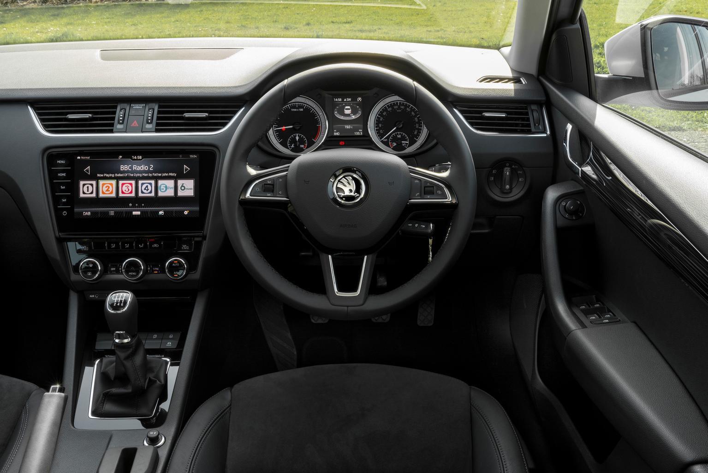 Skoda Octavia Estate 1.5 TSI SE L - interior