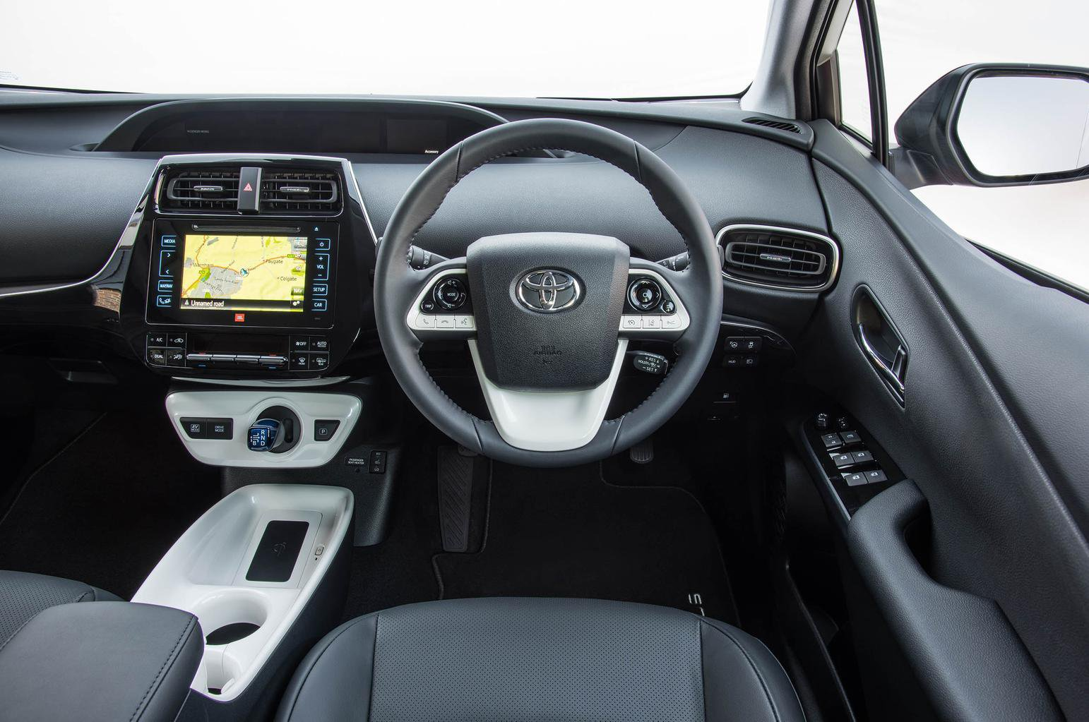 Toyota Prius 1.8 VVT-i Active CVT - interior