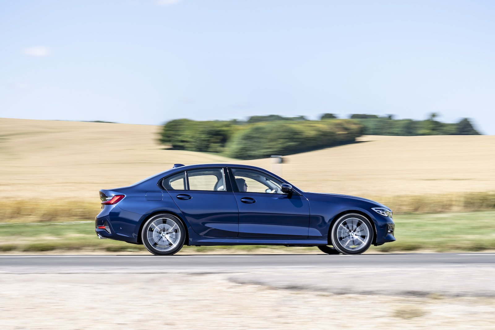 2019 bmw 3 series saloon blue driving side profile