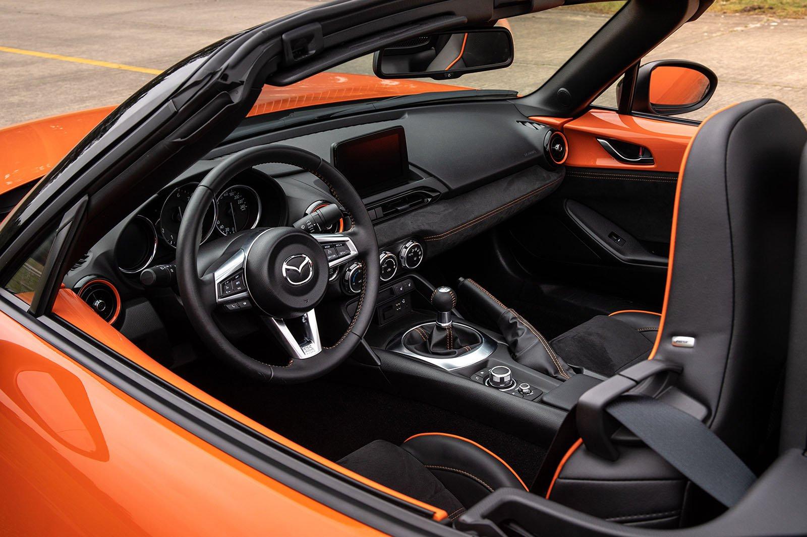 Mazda MX-5 30th Anniversary Edition interior