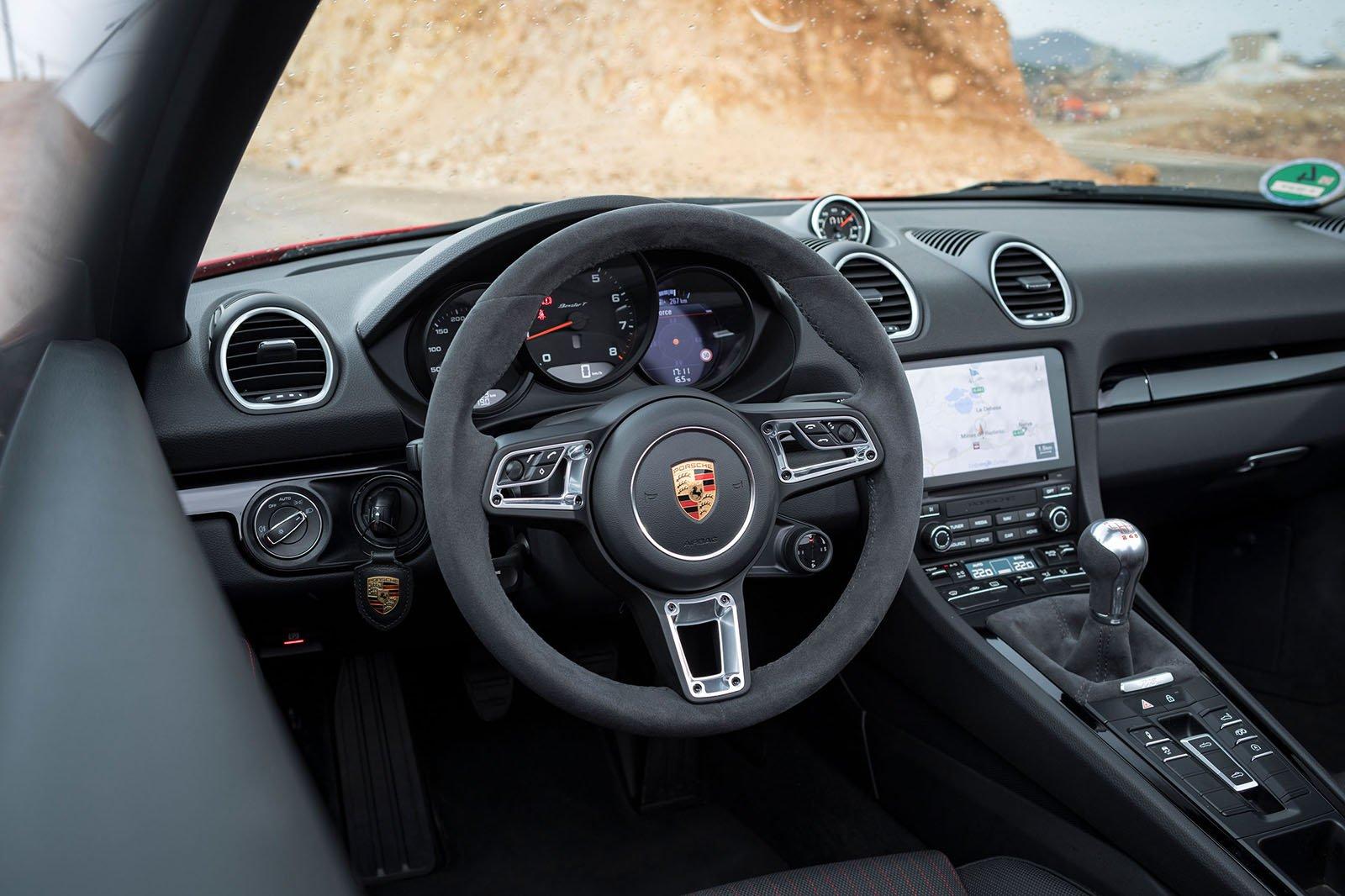 2019 Boxster T interior