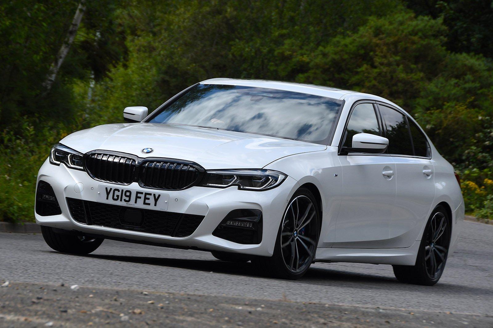 2019 BMW 330d cornering