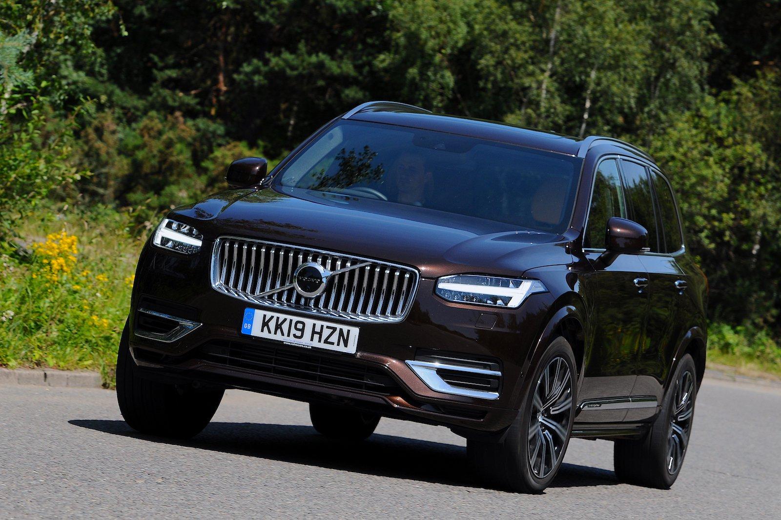 2019 Volvo XC90 long-term cornering