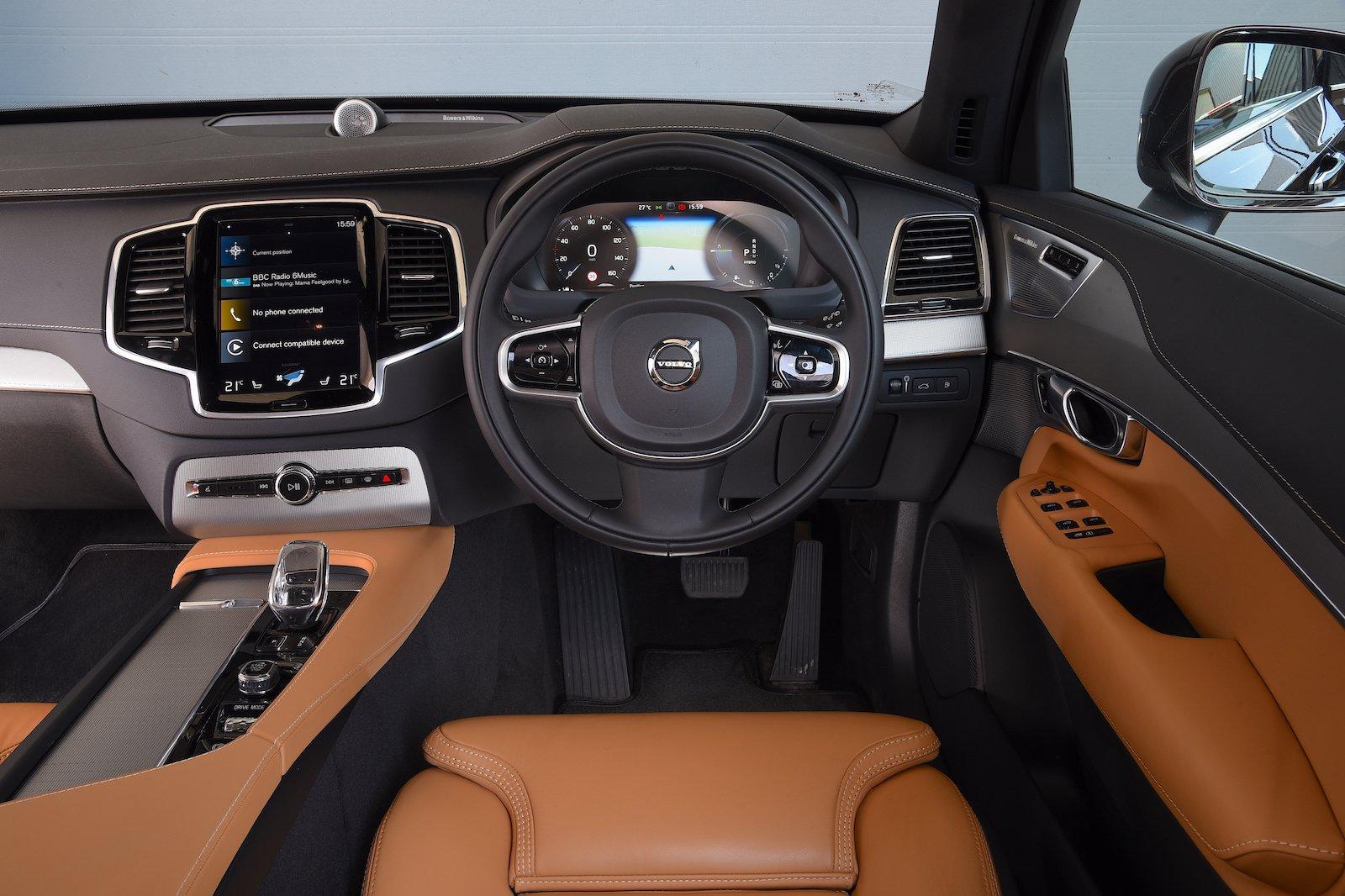 2019 Volvo XC90 long-term dash