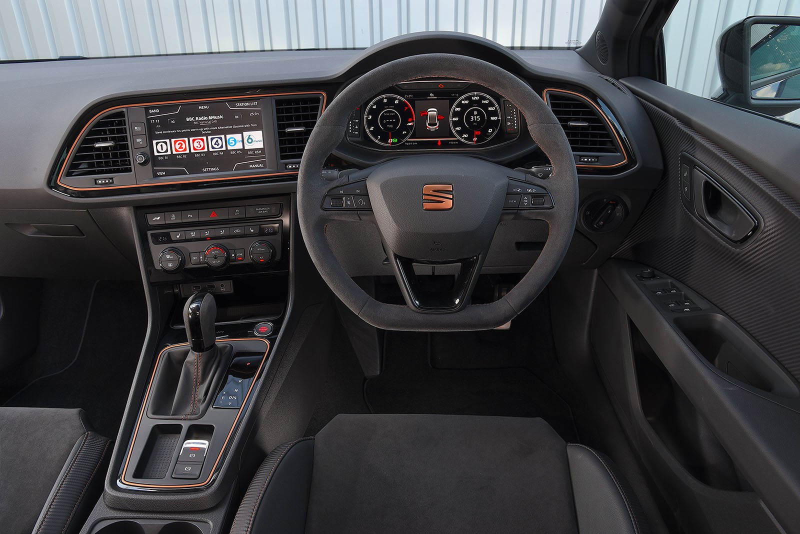 Seat Leon Cupra R ABT Estate interior