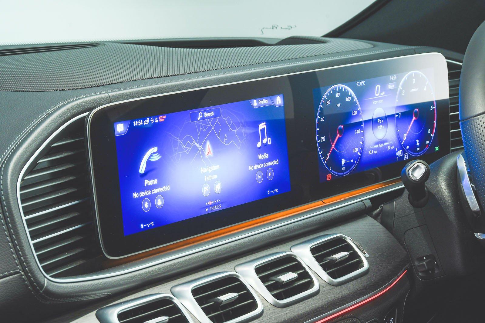 Mercedes-Benz GLE infotainment