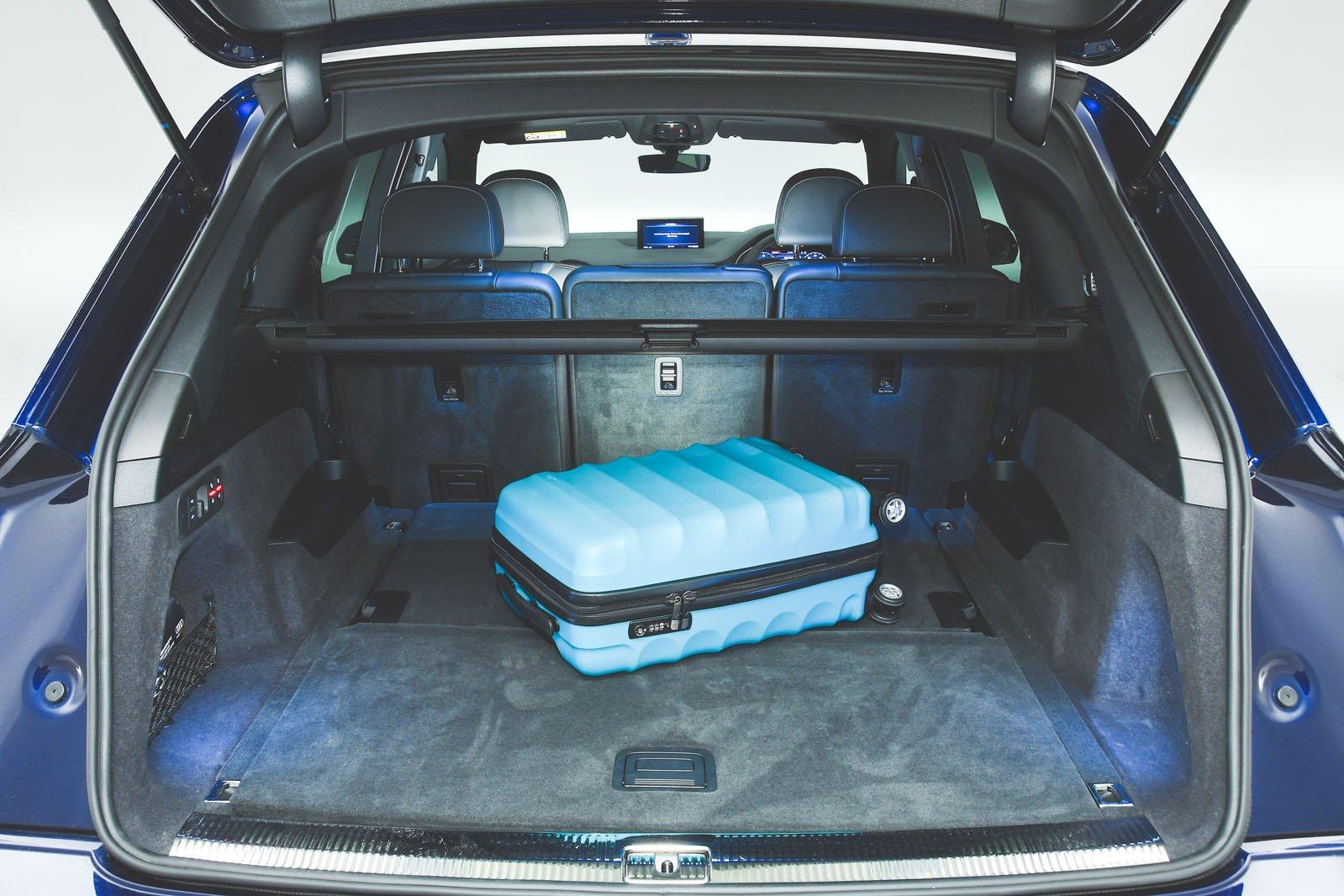 Audi Q7 boot