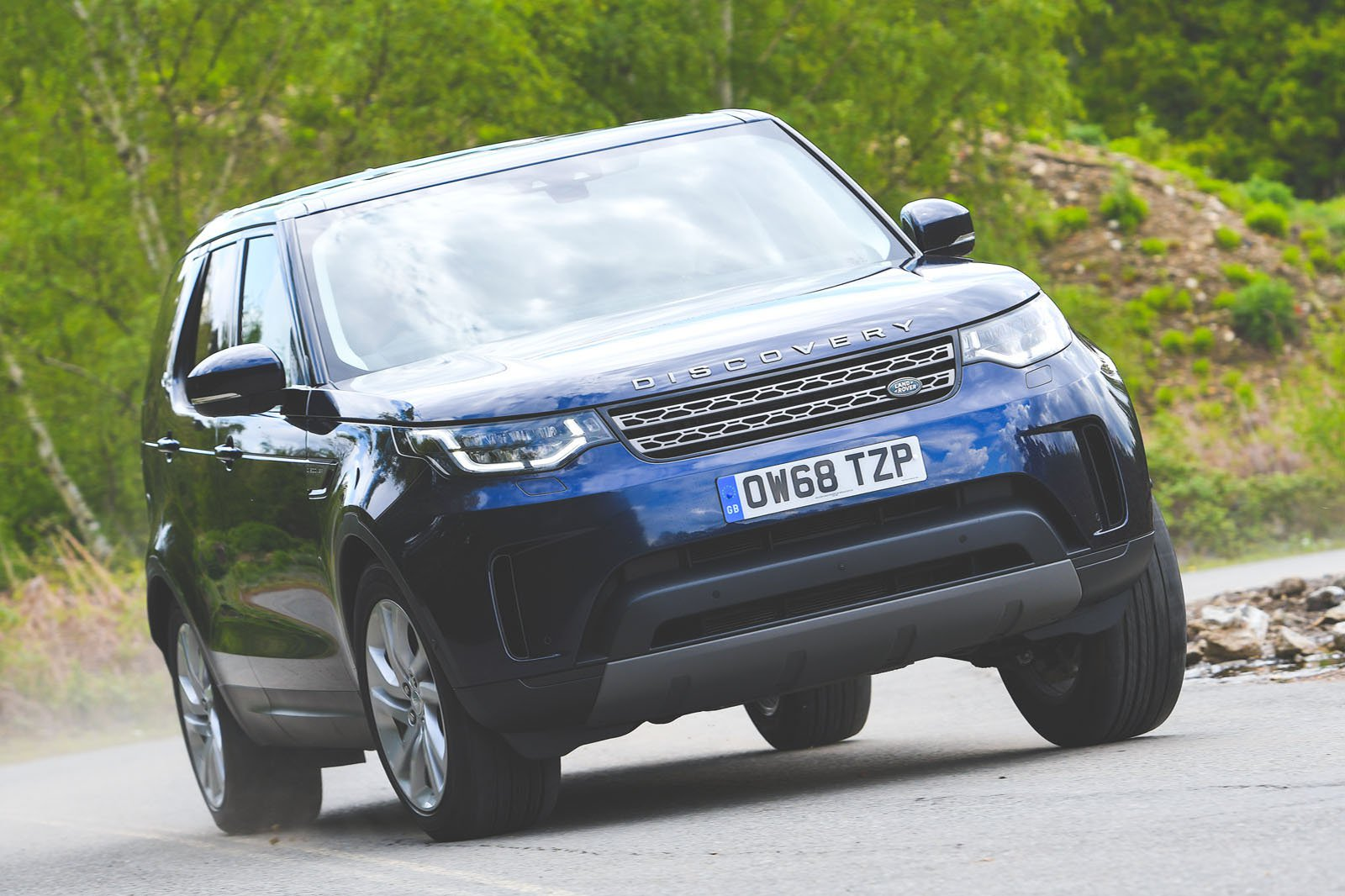 Land Rover Discovery driving