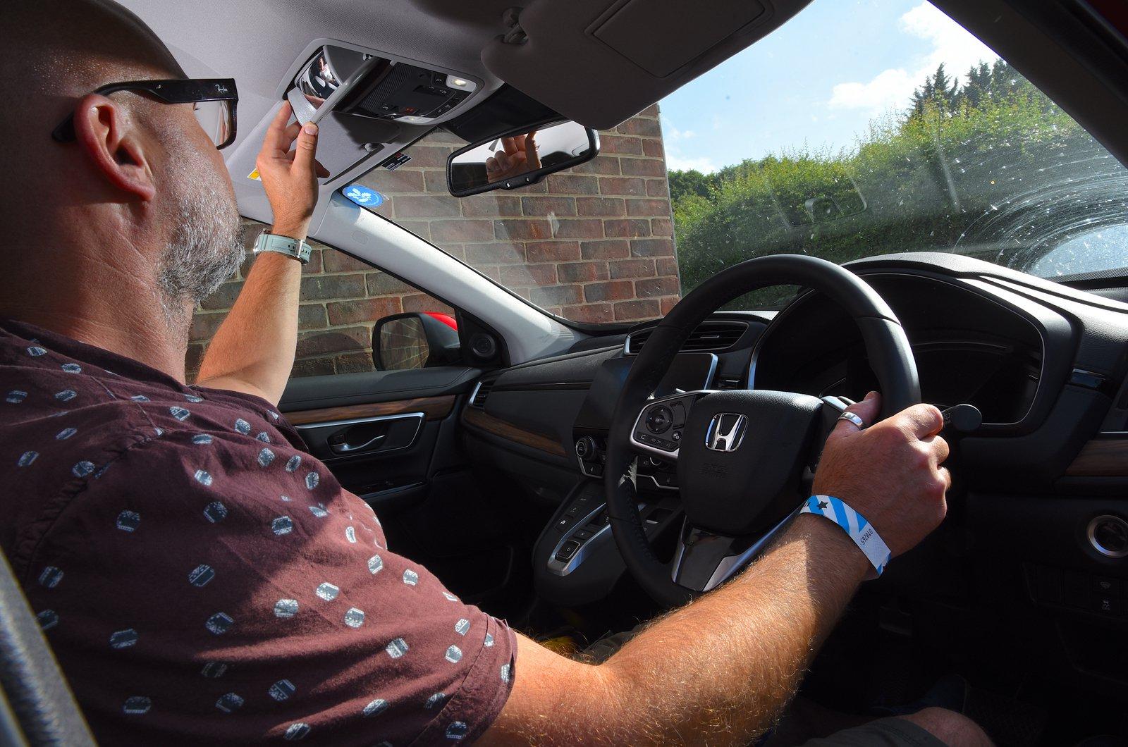 LT Honda CR-V Hybrid child mirror