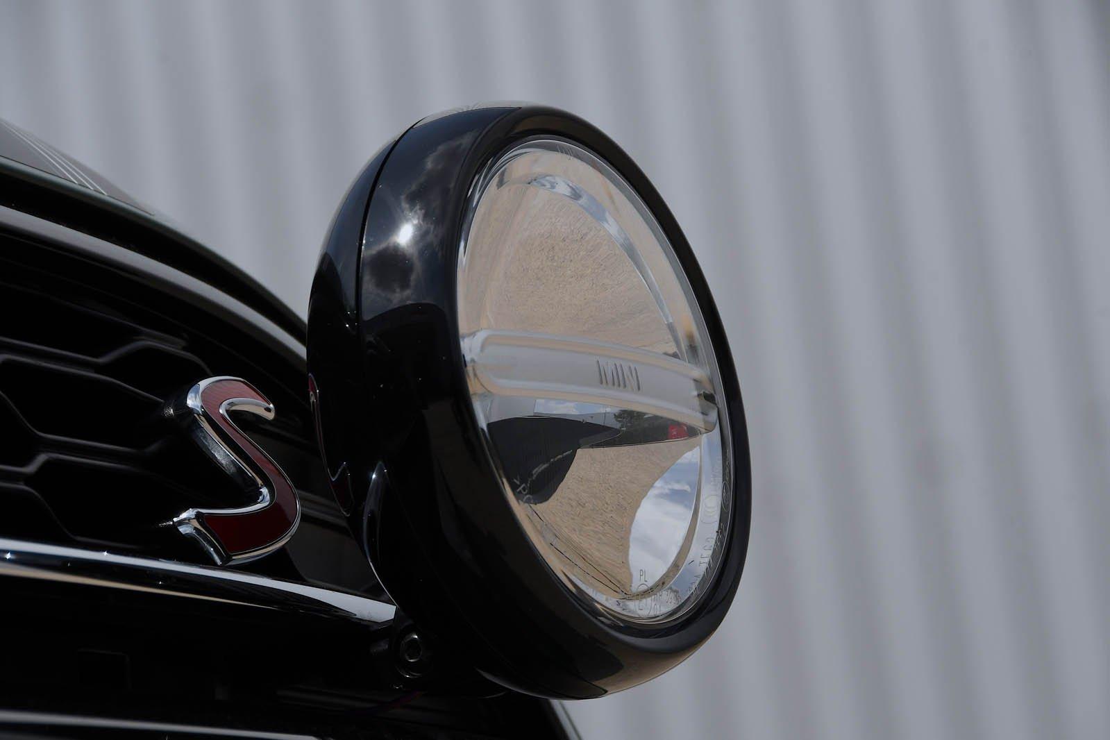 Mini Cooper S 60 Year Edition spot lamp