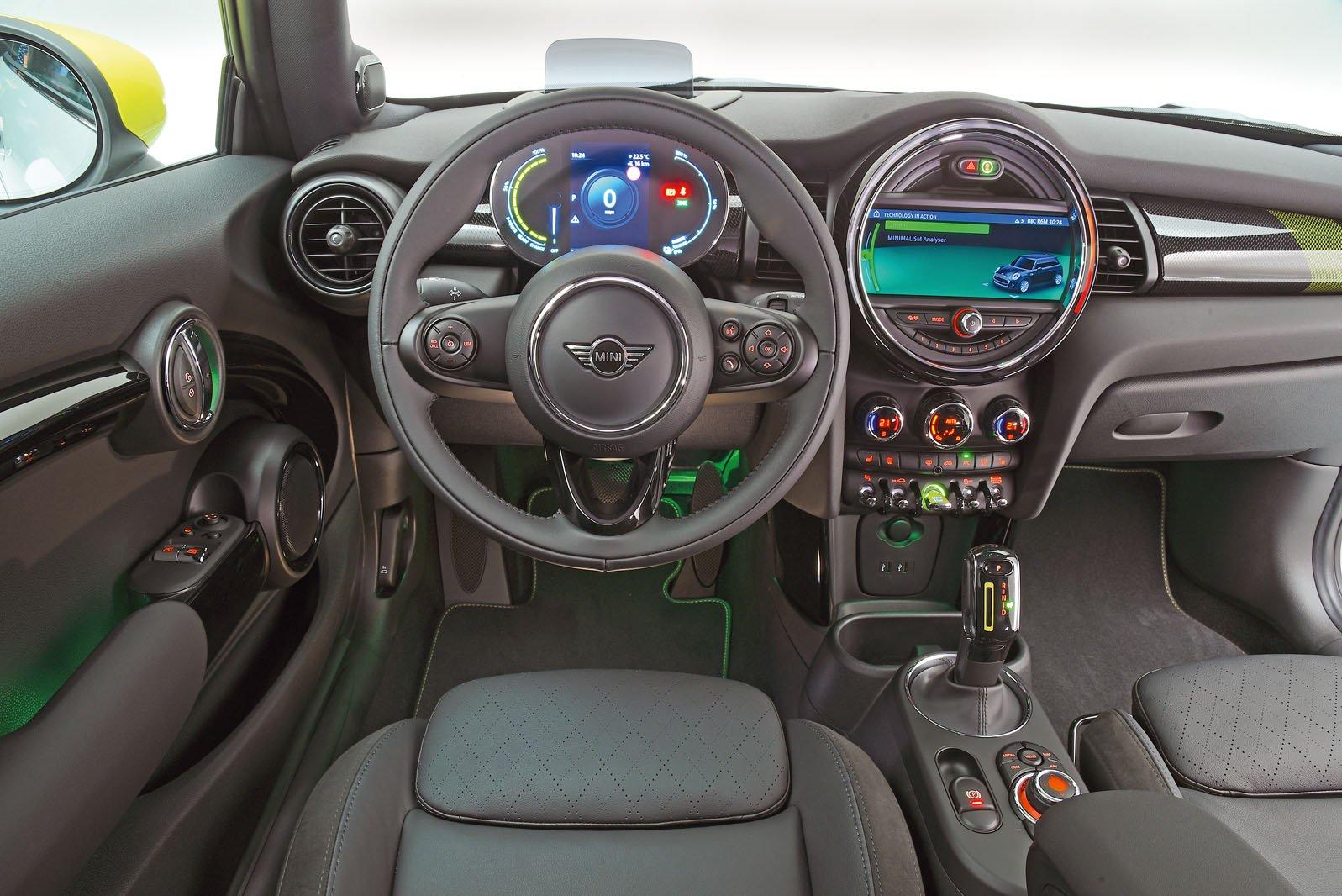 2020 Mini Electric interior