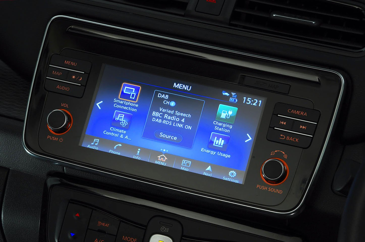 Nissan Leaf infotainment screen