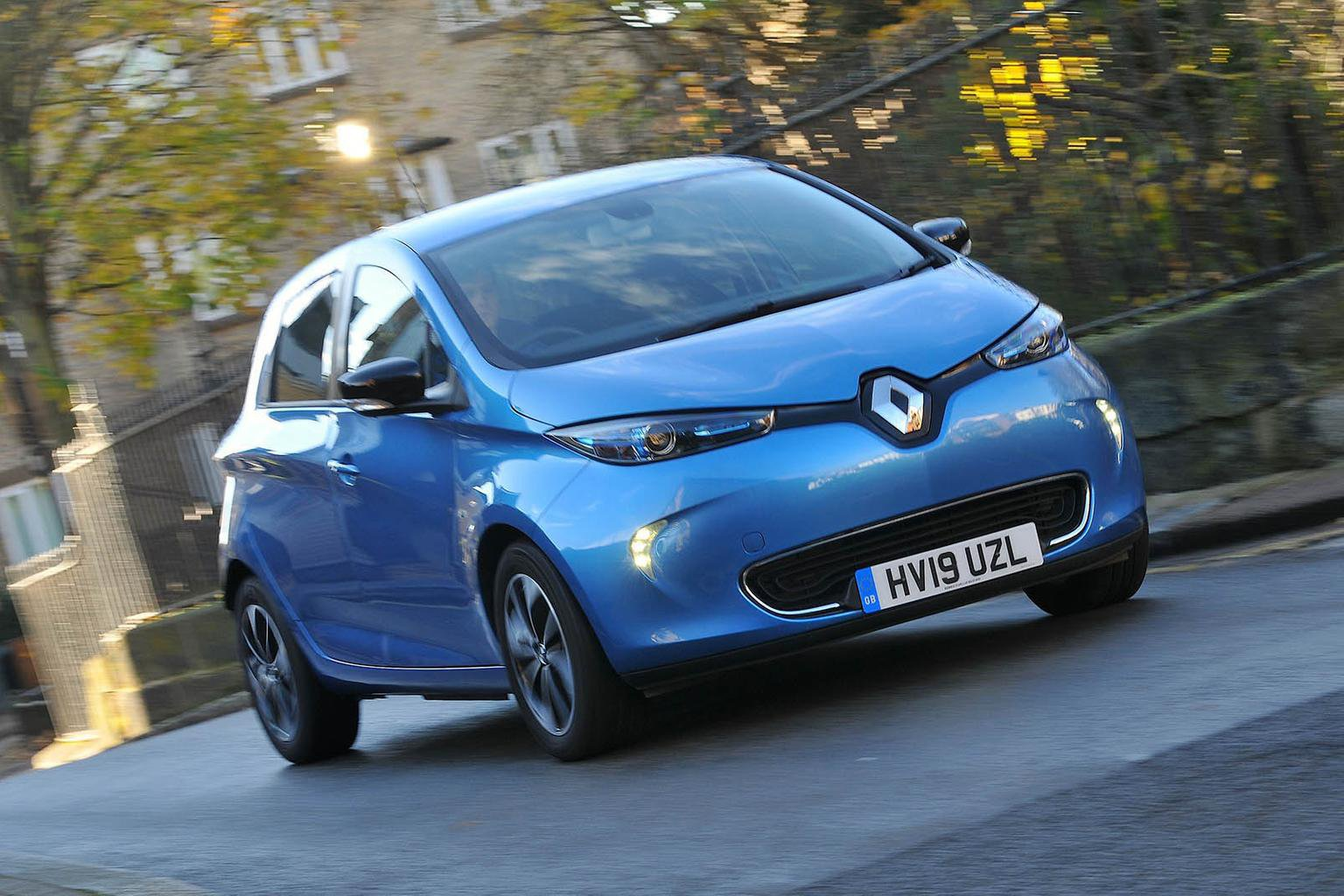 Renault Zoe front - 19 plate