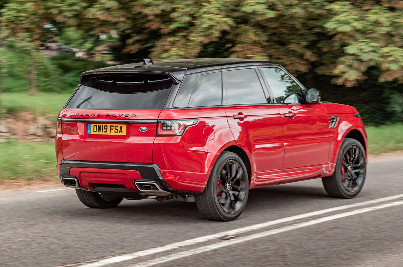 2019 Range Rover Sport driving