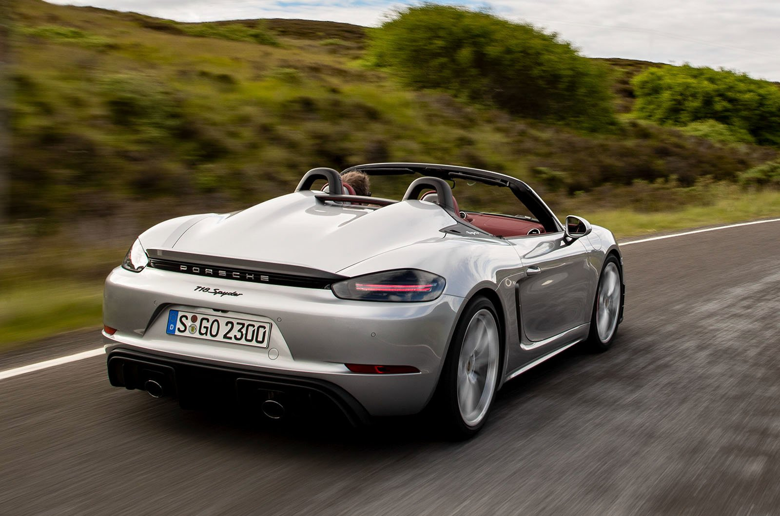 2019 718 Boxster Spyder rear cornering shot