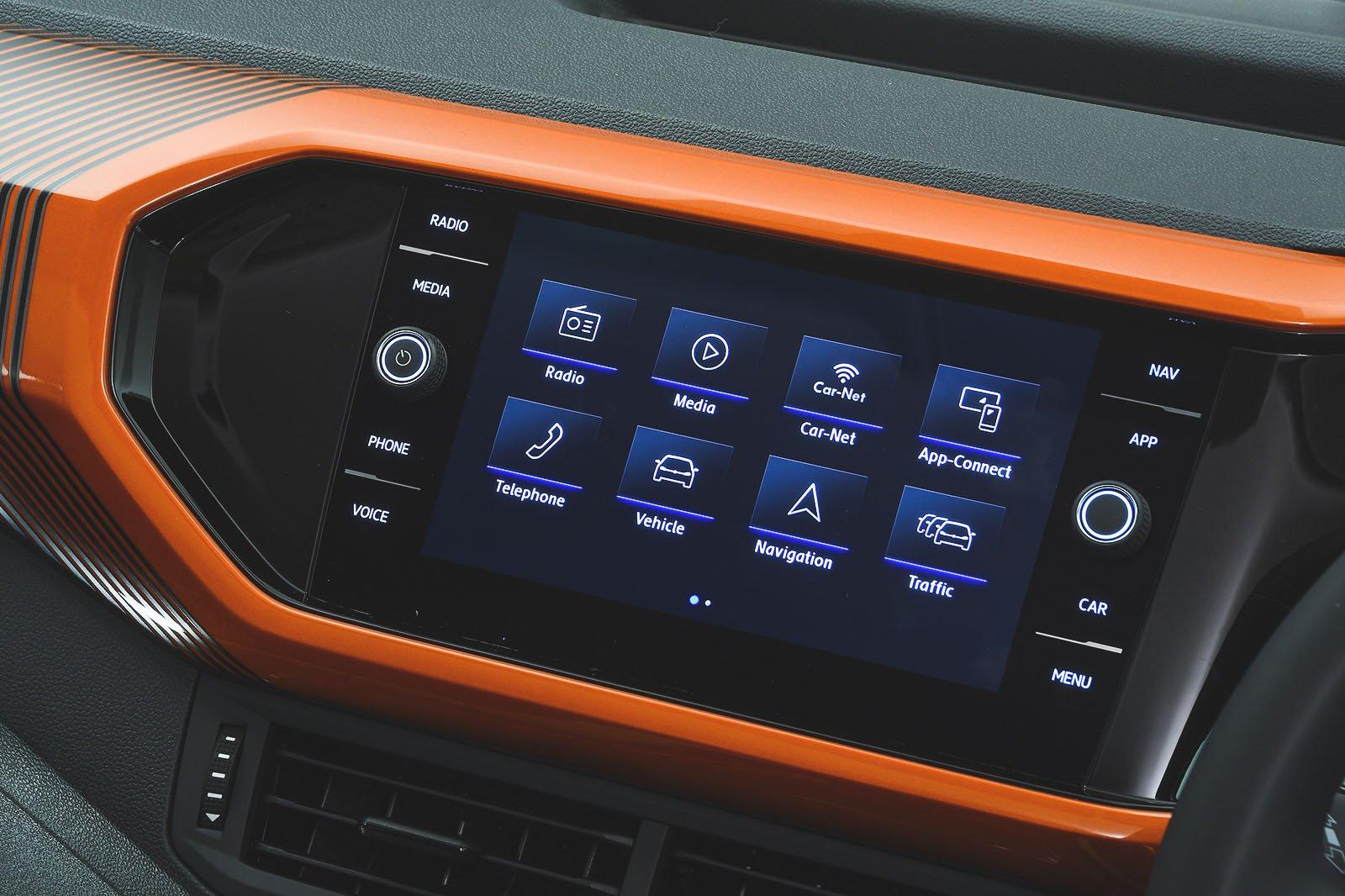 Volkswagen T-Cross infotainment