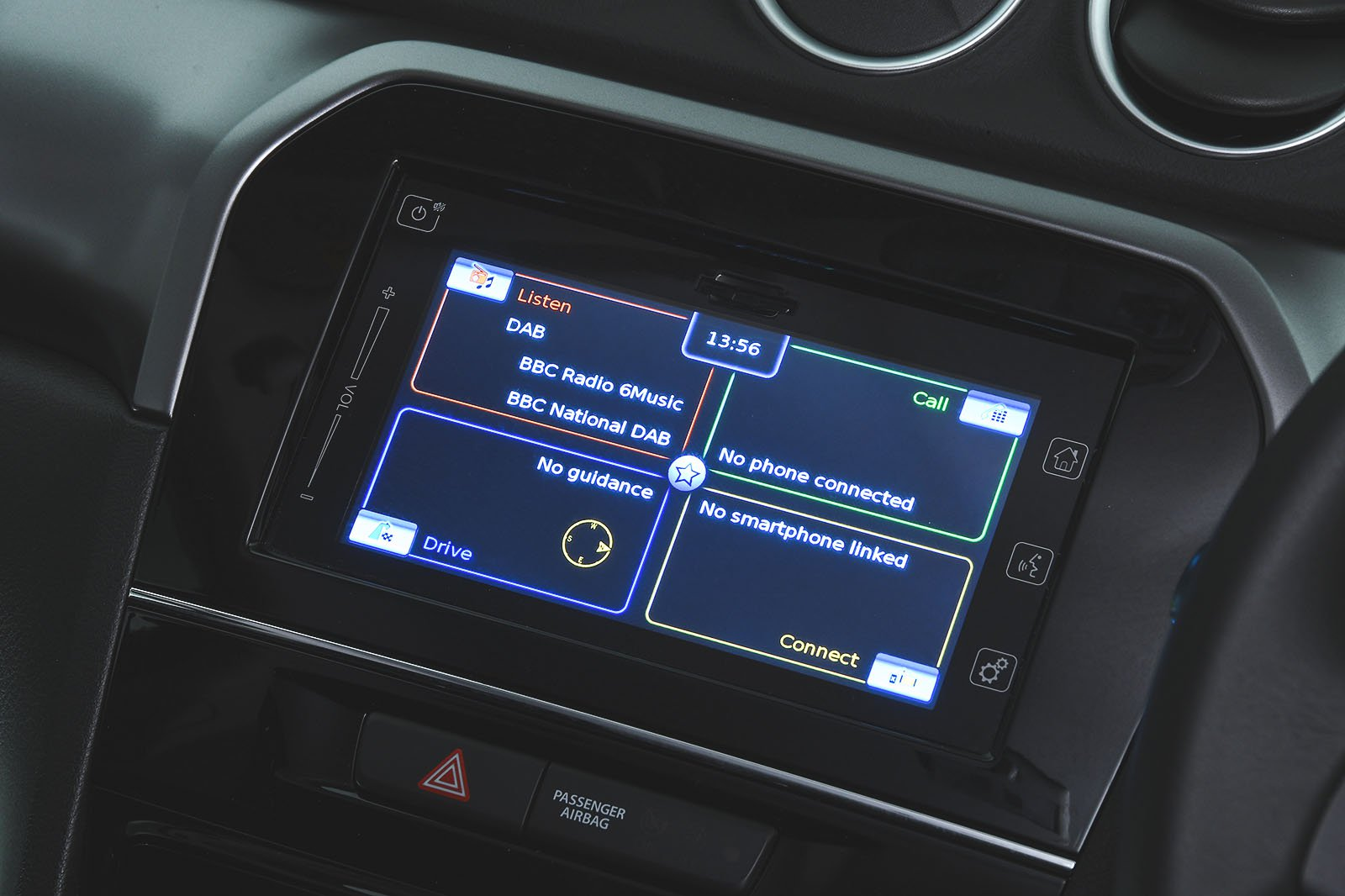 Suzuki Vitara infotainment