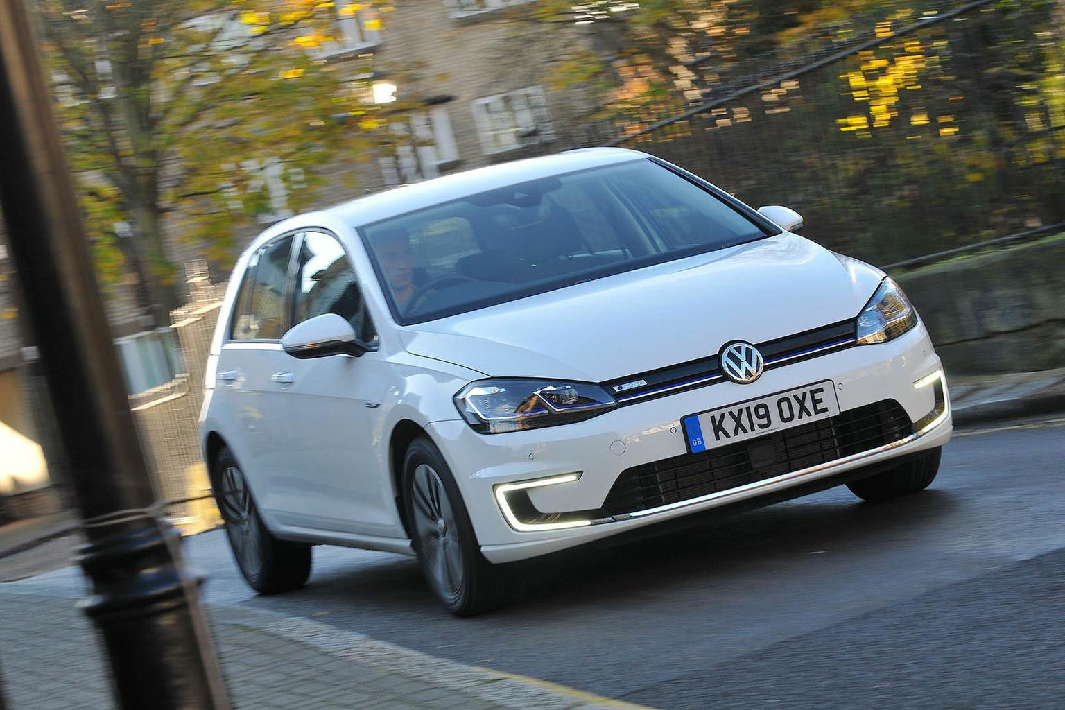 Volkswagen e-Golf front - 19 plate