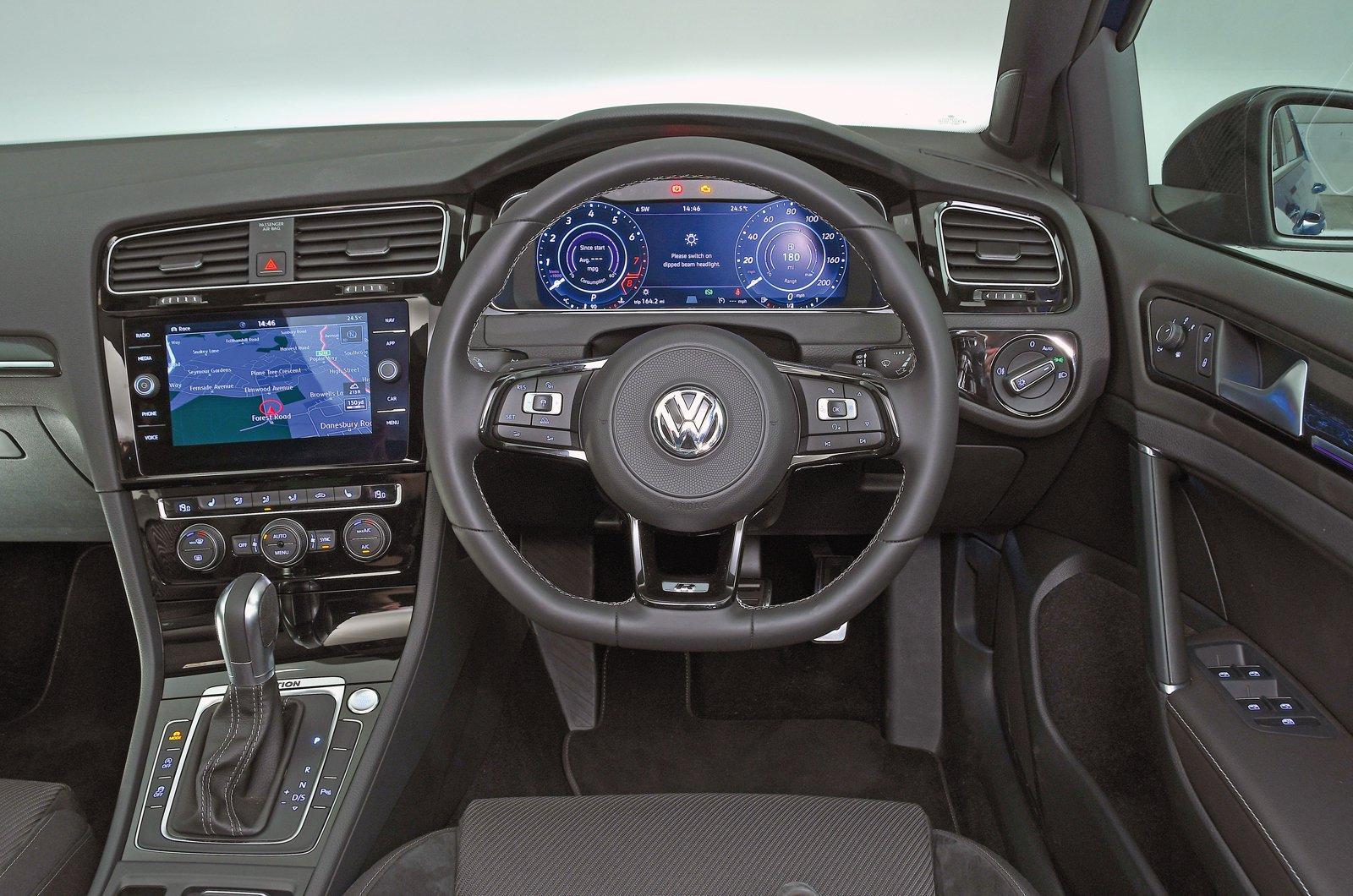 Volkswagen Golf R - interior