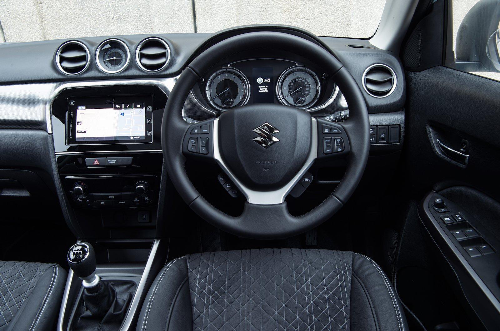 Suzuki Vitara 1.0 Boosterjet SZ4 - interior