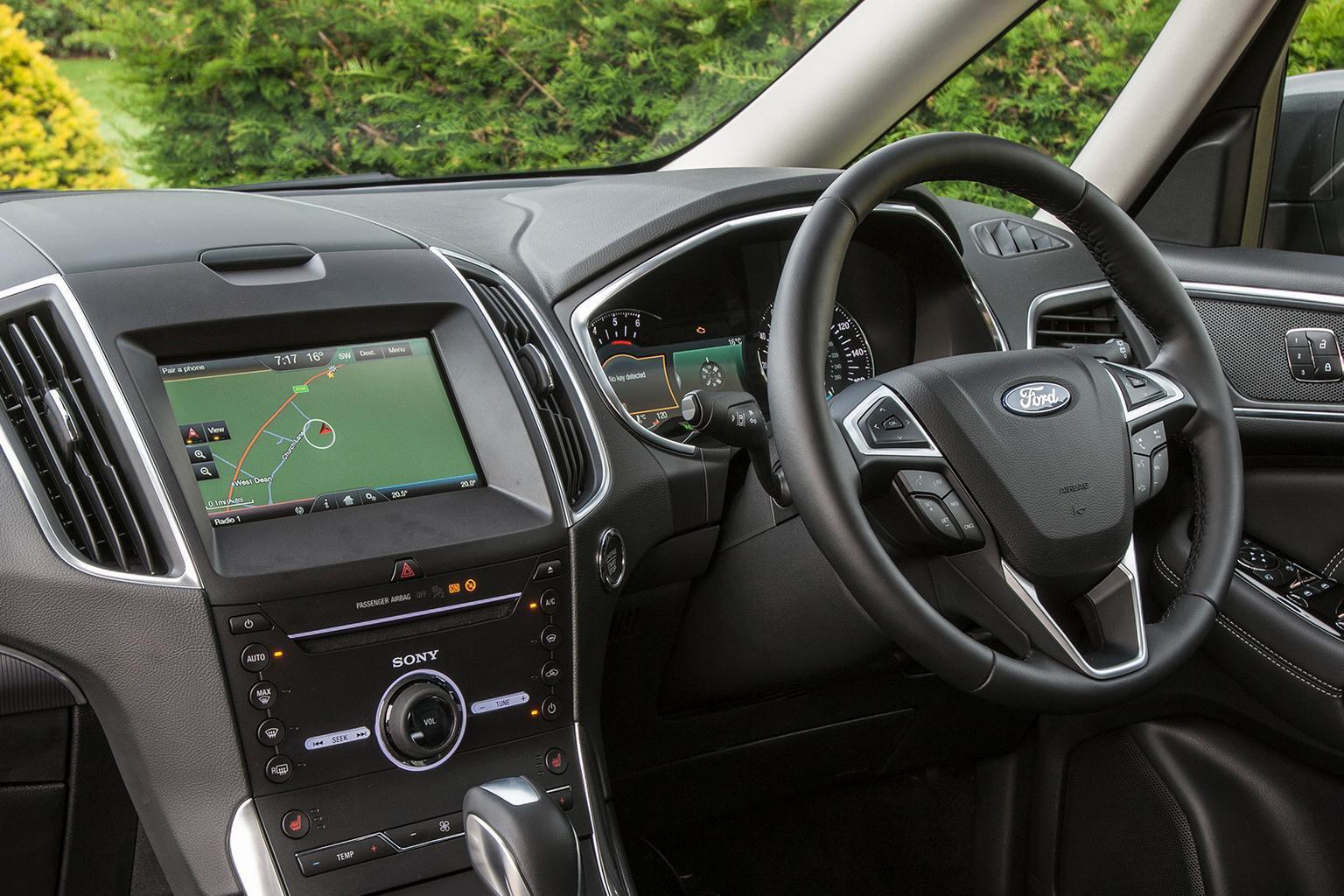Ford Galaxy - interior