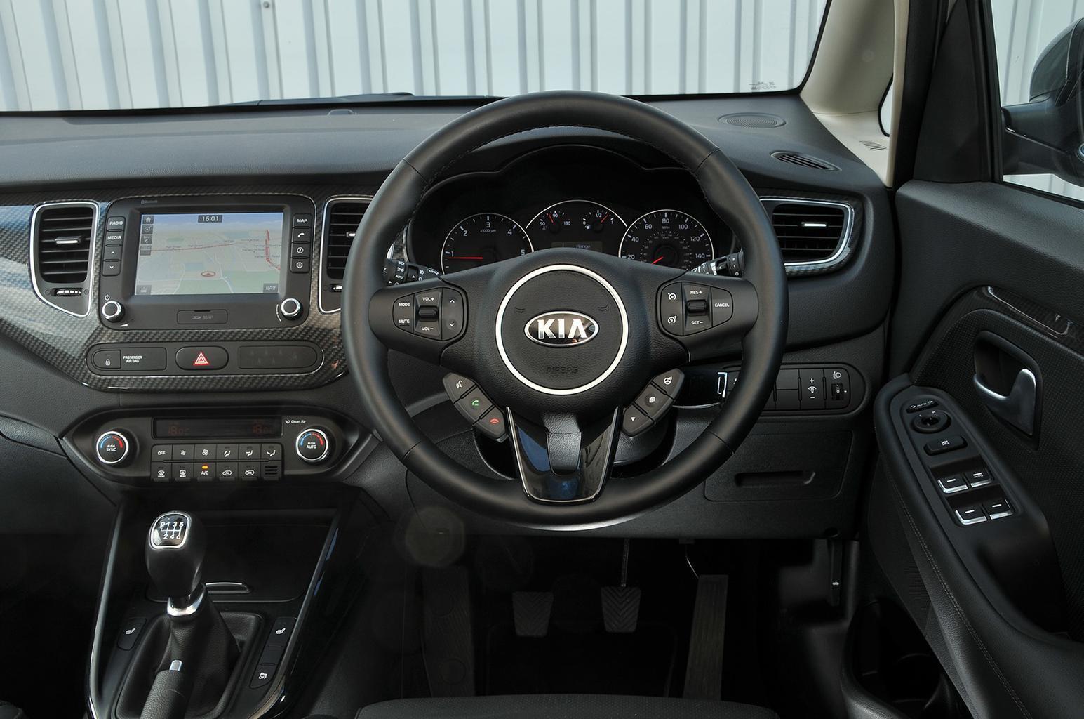 Kia Carens - interior