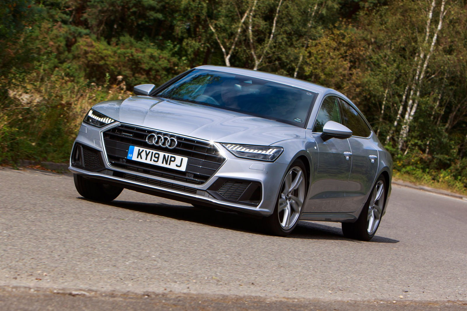 2019 audi a7 45 tfsi driving front