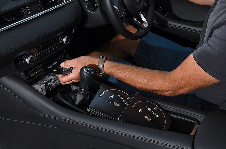 Mazda 6 CD player