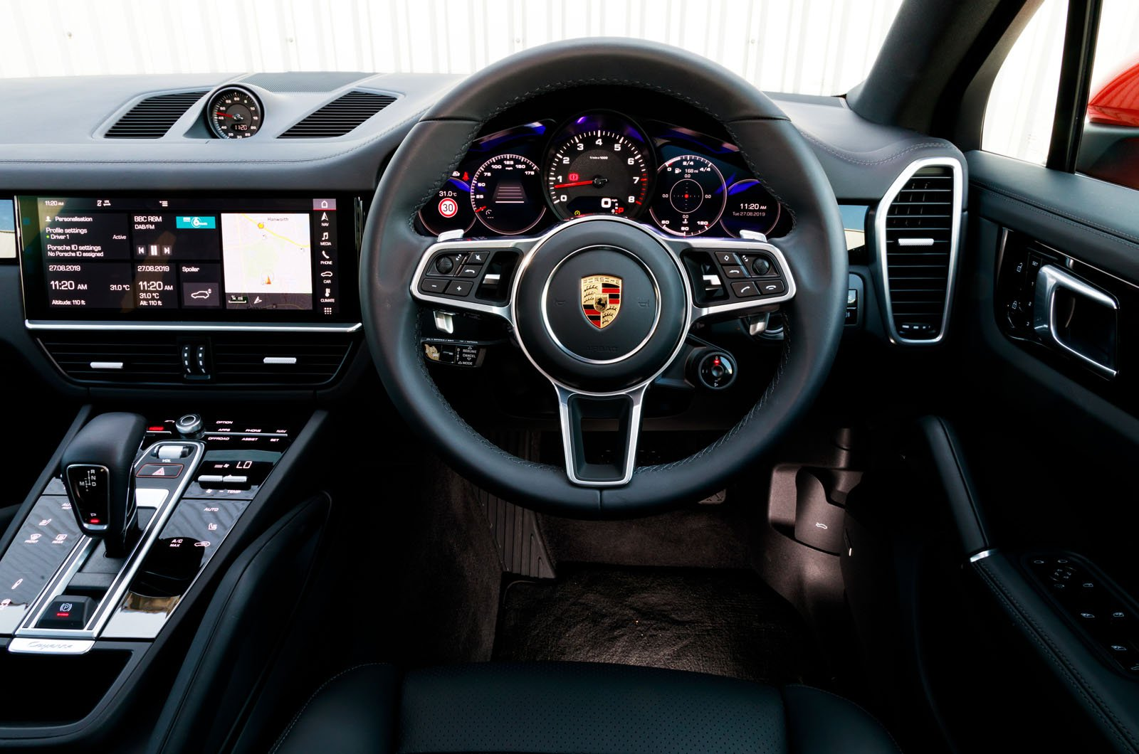 Porsche Cayenne Coupe dashboard