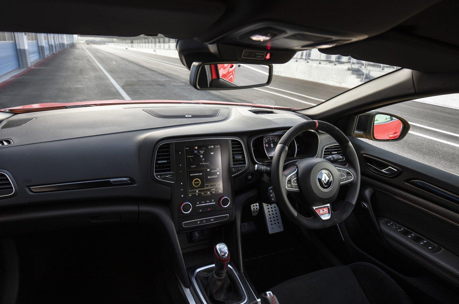LT Renault Megane RS interior in pitlane
