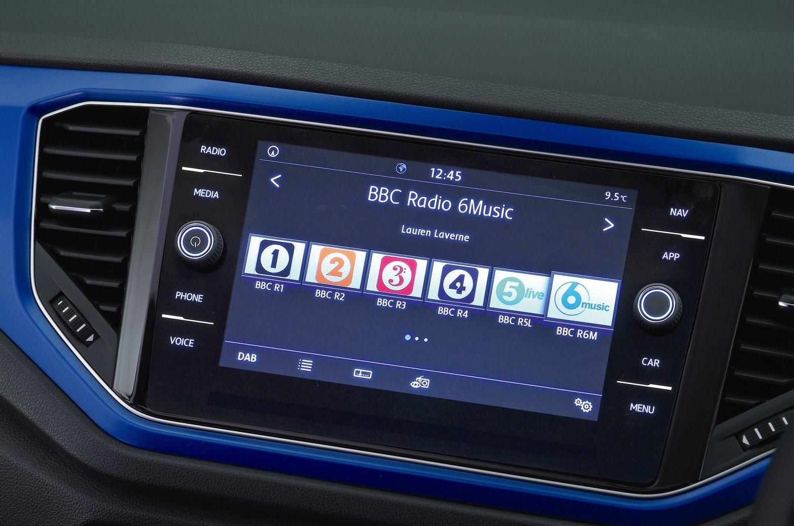 Volkswagen T-Roc touchscreen