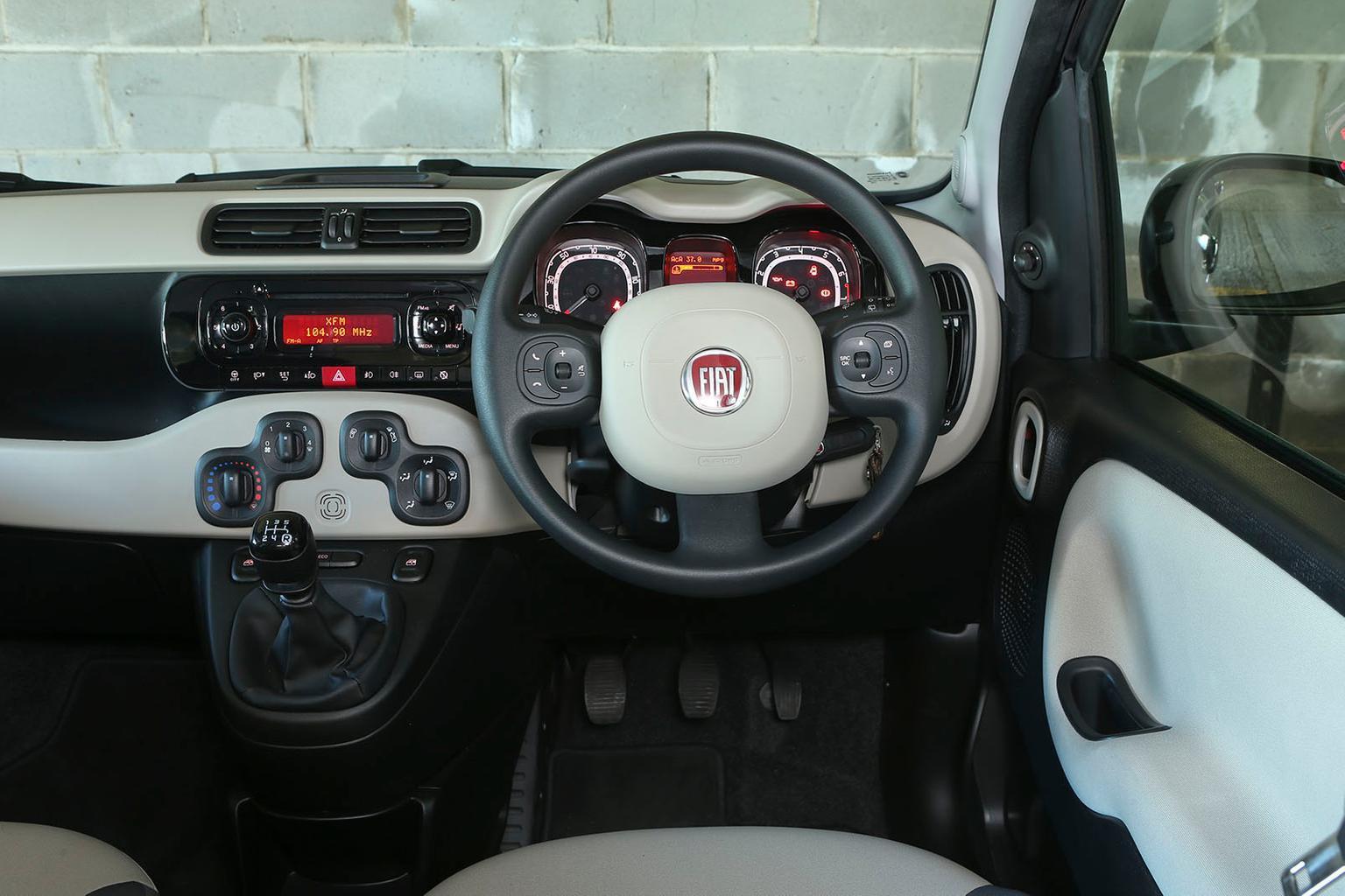 Fiat Panda 1.2 Pop - interior