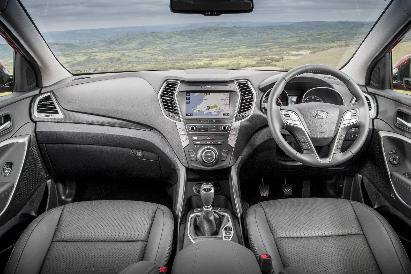 Hyundai Santa Fe - interior