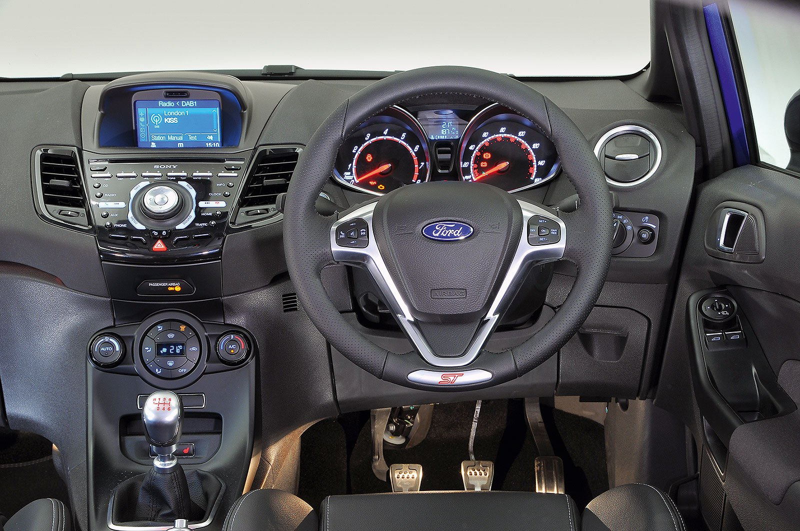Ford Fiesta ST (2013-2017) - interior