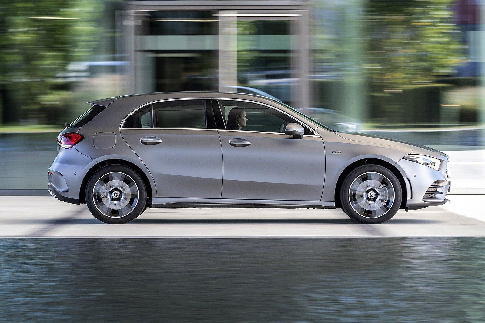 2019 mercedes a 250 e silver driving side profile